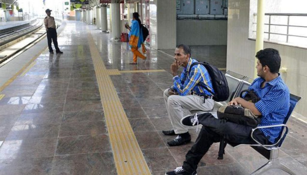 Mini shopping malls at Metro stations soon – The Hindu