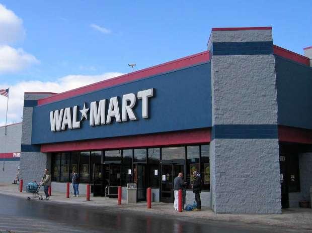 1439903155-4236 Fuzzy retail policy makes Walmart move to slow lane | Business Standard News